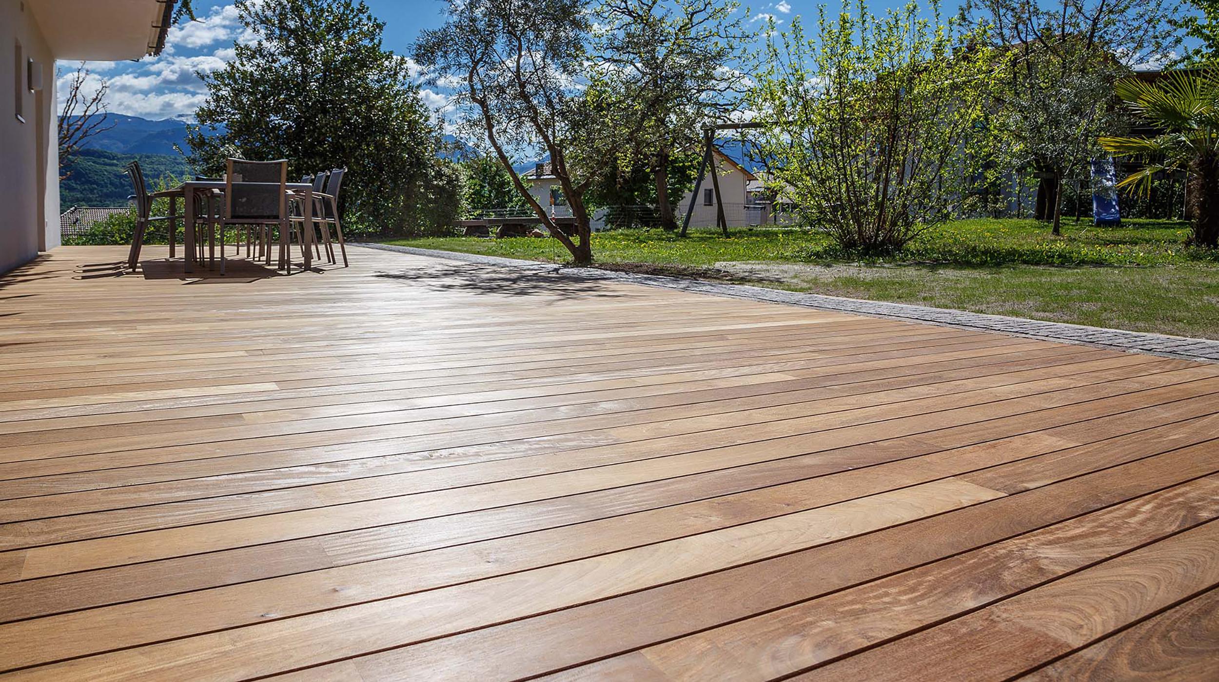 Holzterrassen Außenbereich Gartenoase