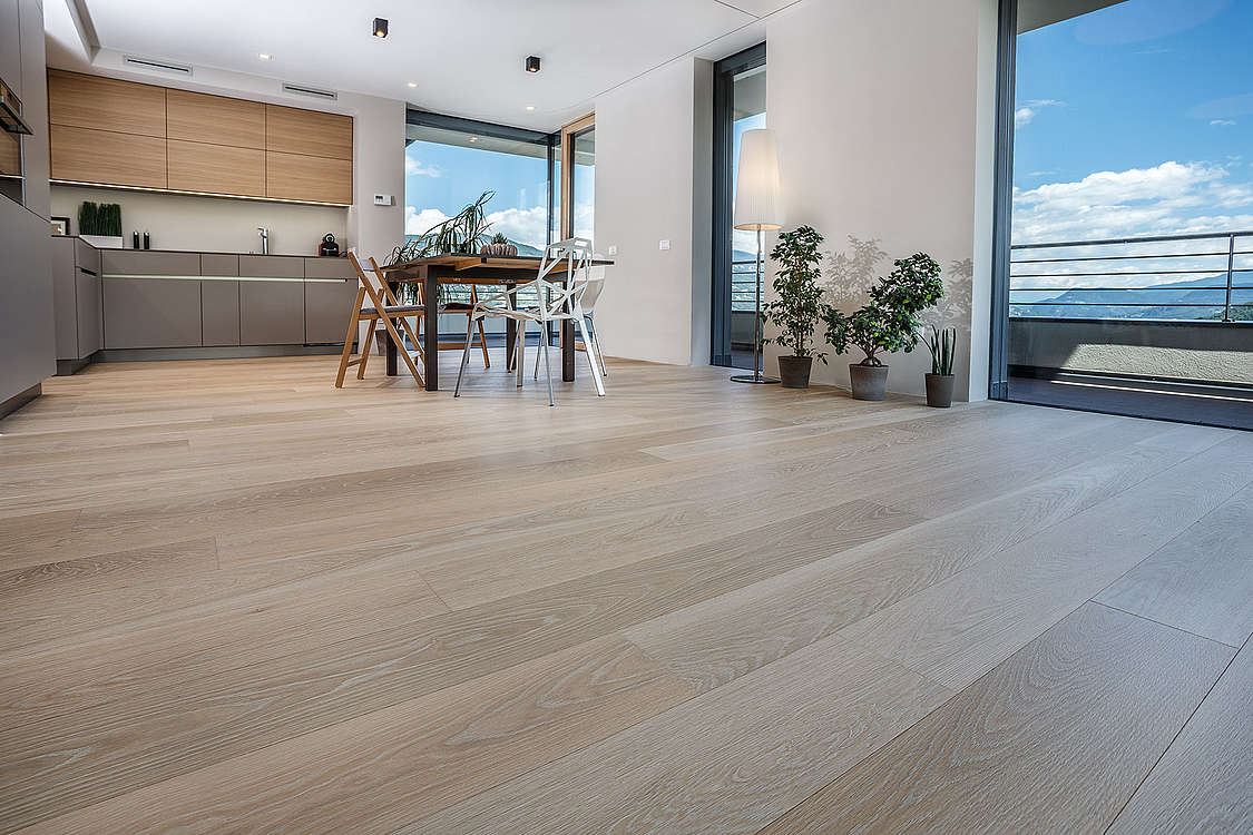 Country-house floorboards Oak cream oiled